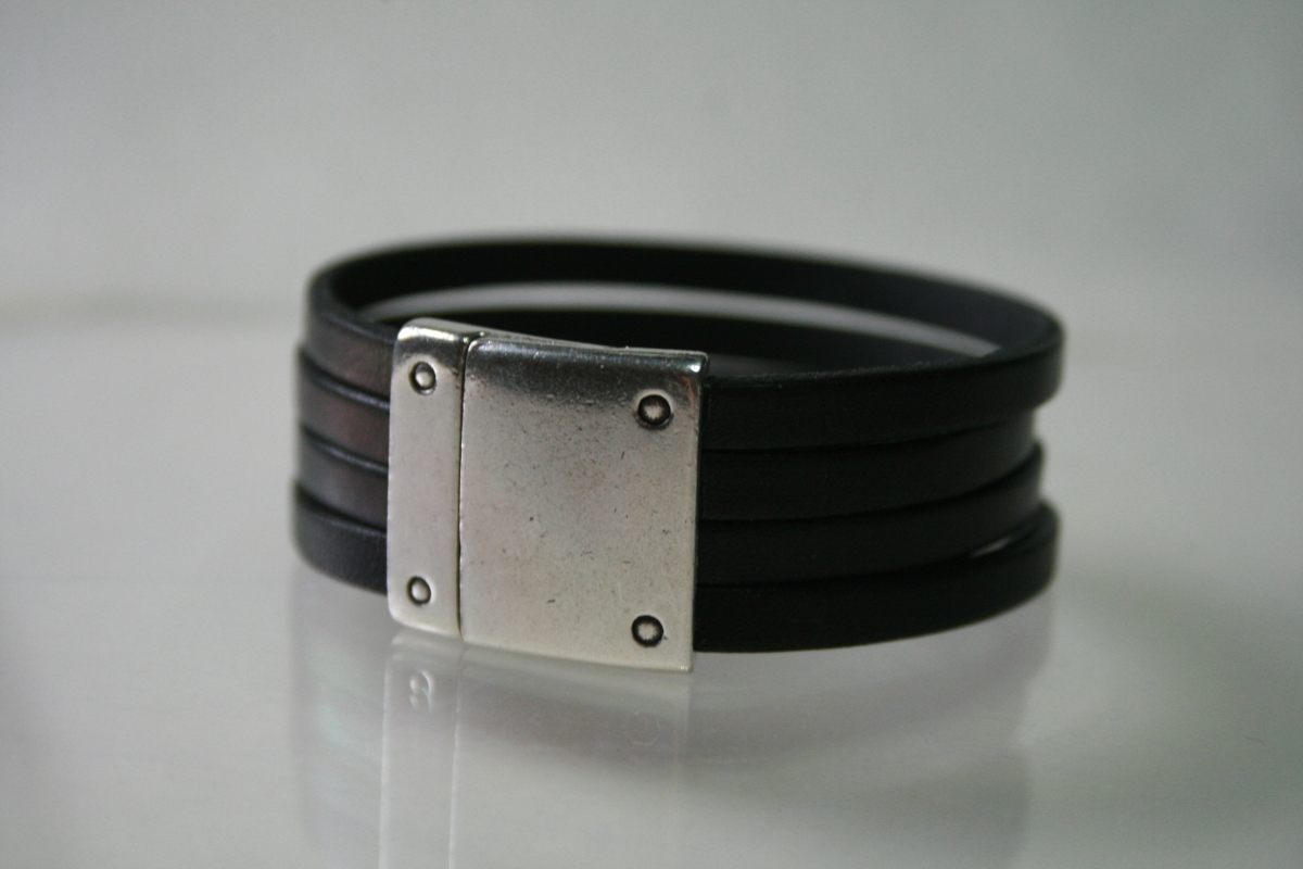 20mm Black Leather Cuff (large view)