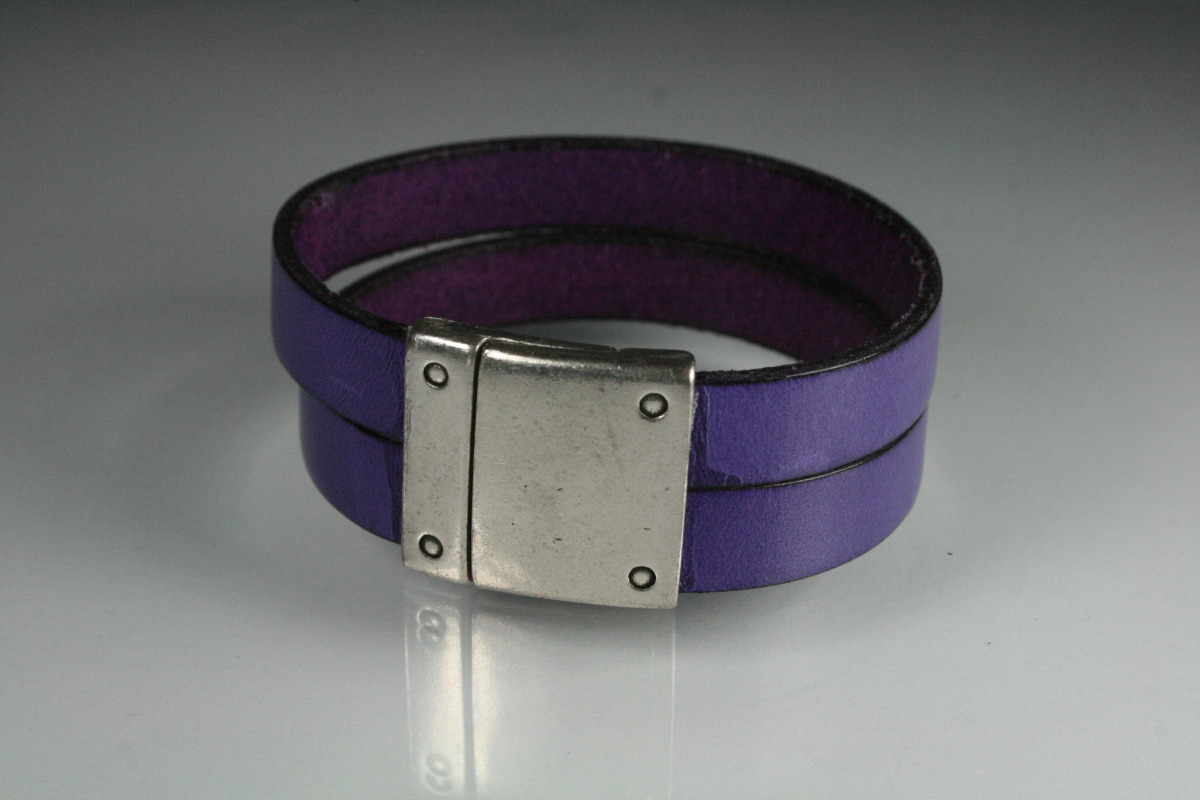 20mm Purple Leather Cuff (large view)