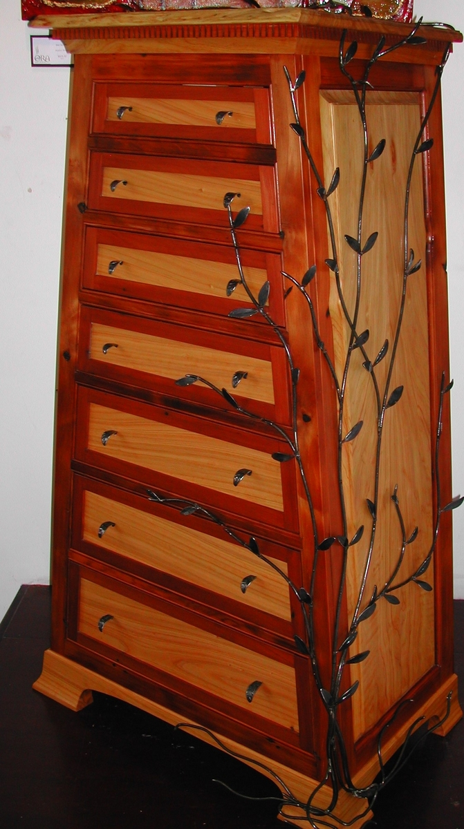 Macrocarpa  Vine Dresser (large view)