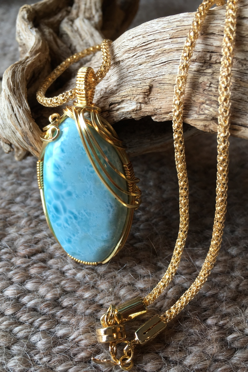 Larimar and gold (large view)