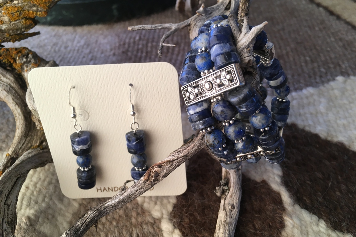 Three strand sodalite bracelet and earrings (large view)