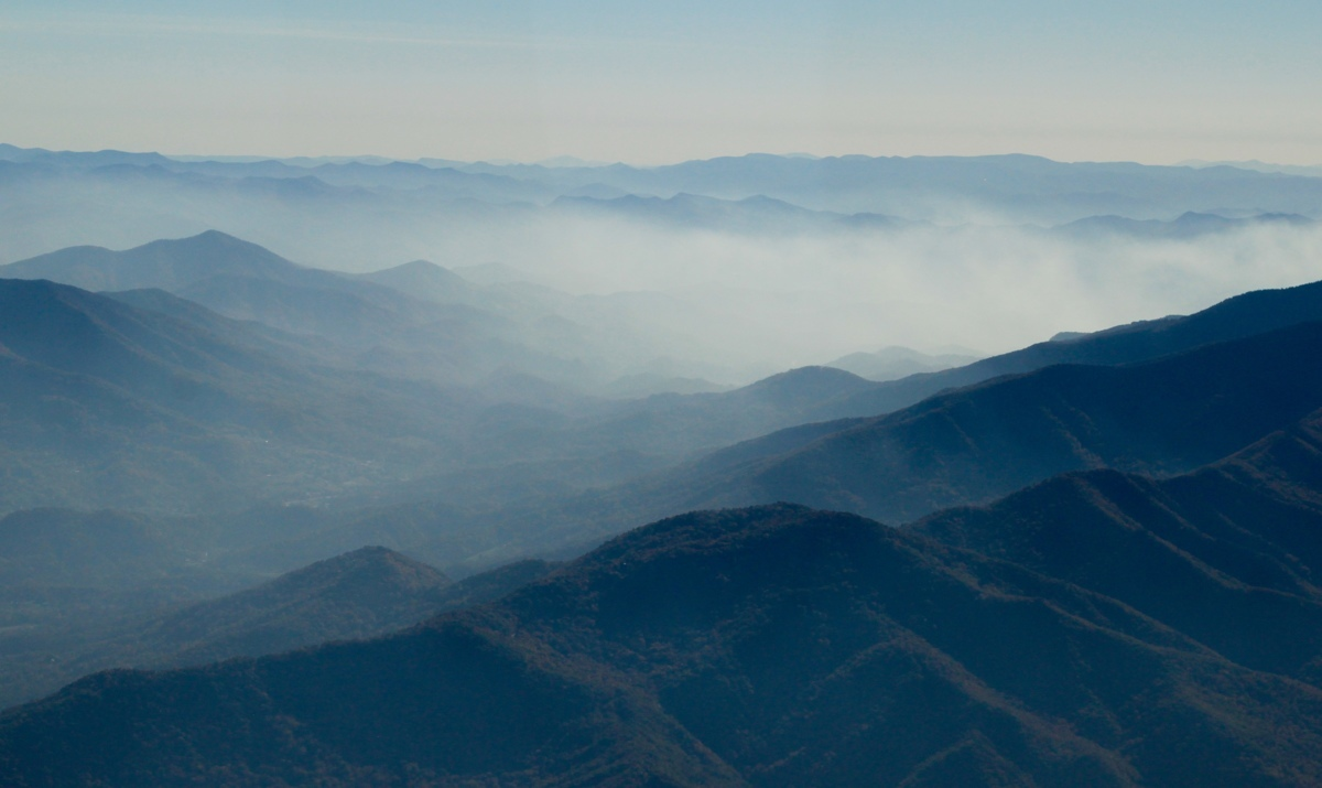 Smoky Mountains in Fog (large view)