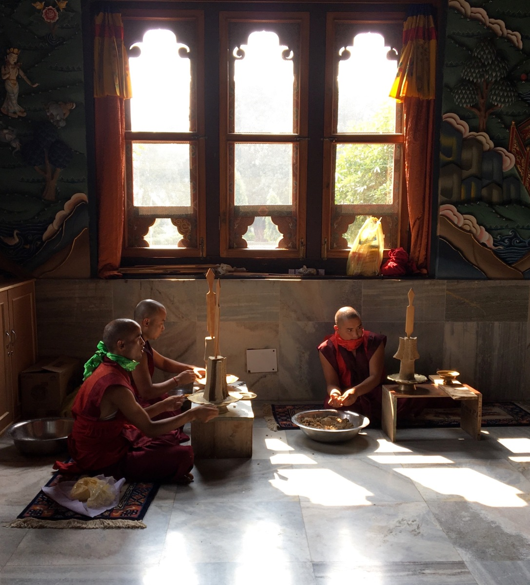 Buthan Monks in Bodhgaya (large view)