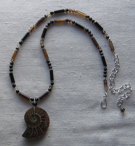 Ammonite and agate necklace