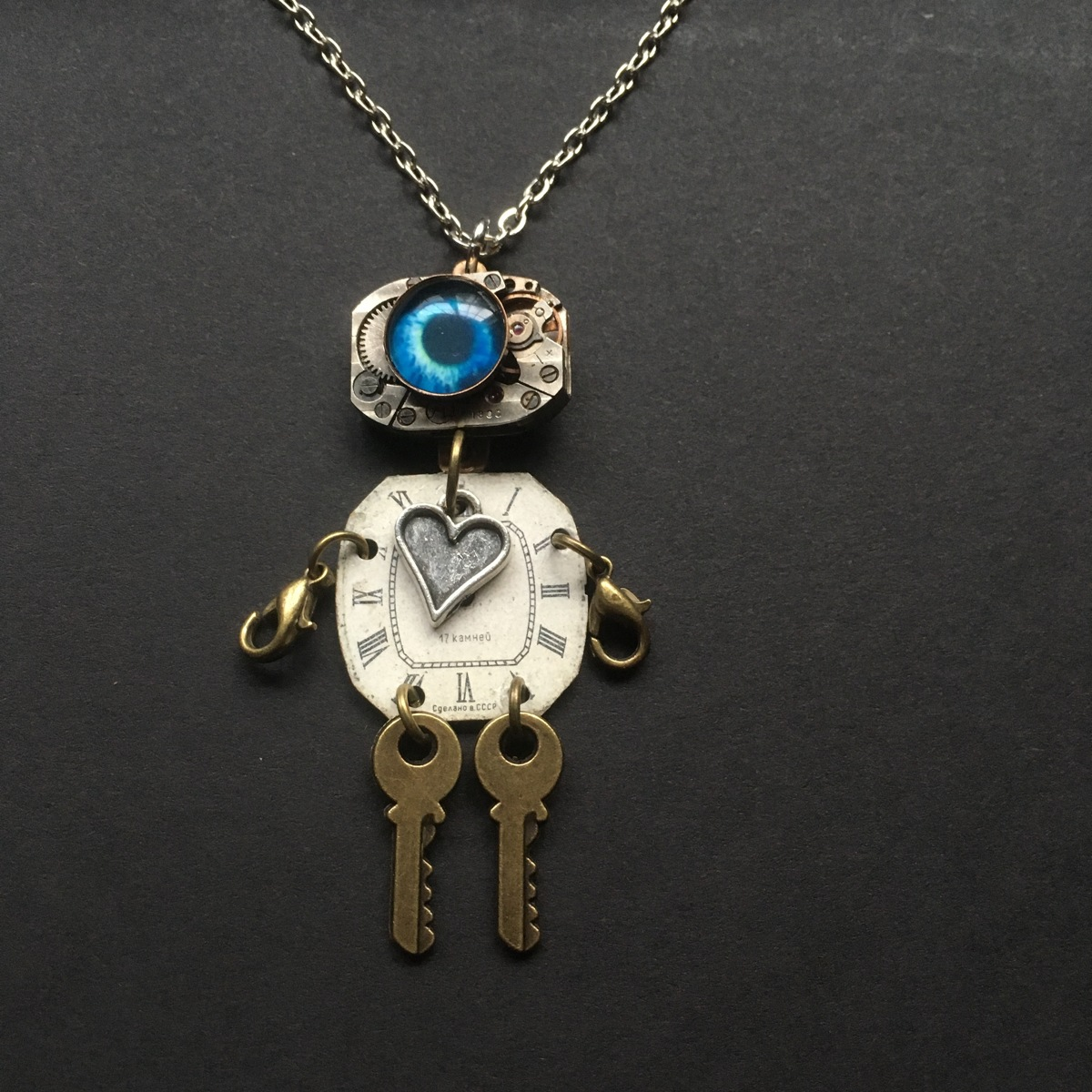 Robot Necklace 7 (large view)