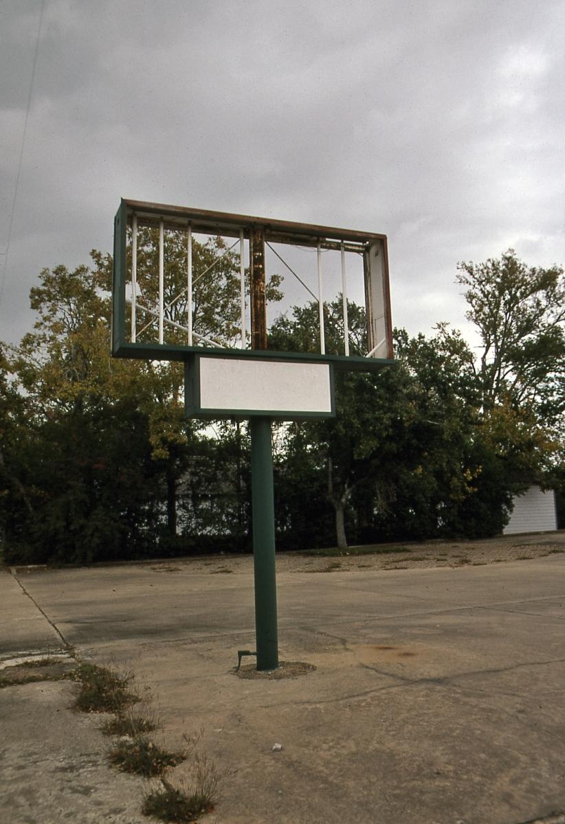 Laura Bennett, photography, documentary, Alvin, Texas, urban, kodachrome, color (large view)