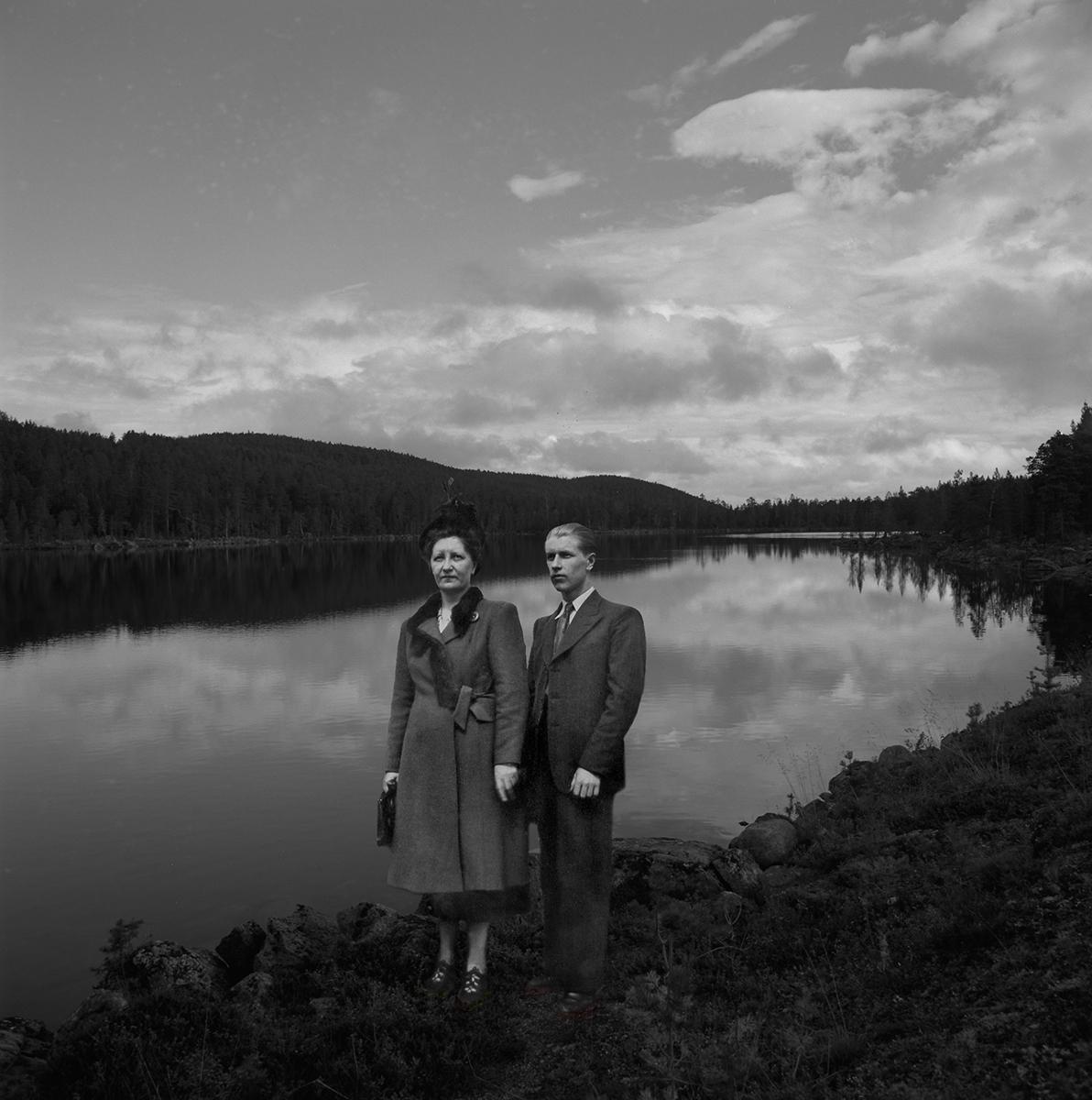Elsa and Erkki at the Lake (large view)