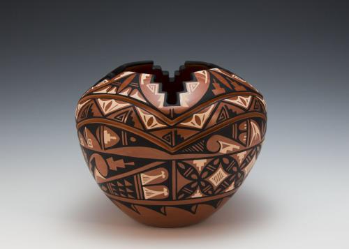 Kiva Pot  by Laverne Loretto-Tosa