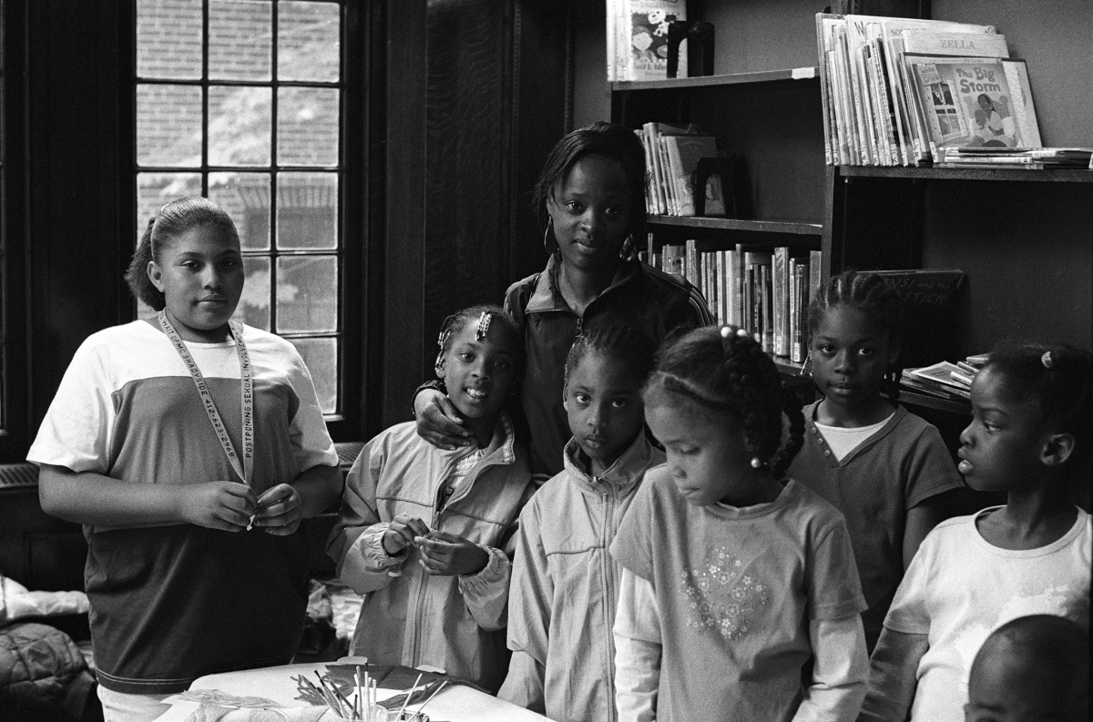 Family - NFS, Homewood Library, Pittsburgh, Pennsylvania, 2006 (large view)