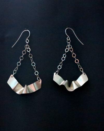Silver Ribbon earrings/chain