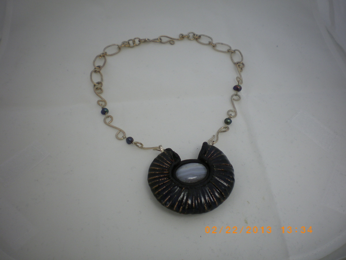 Deep Blue Enamel Shell Necklace (large view)