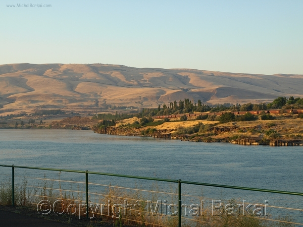 Along the Columbia River (large view)