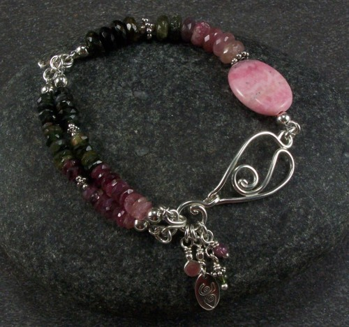 Tourmaline and rhodochrosite bracelet (large view)
