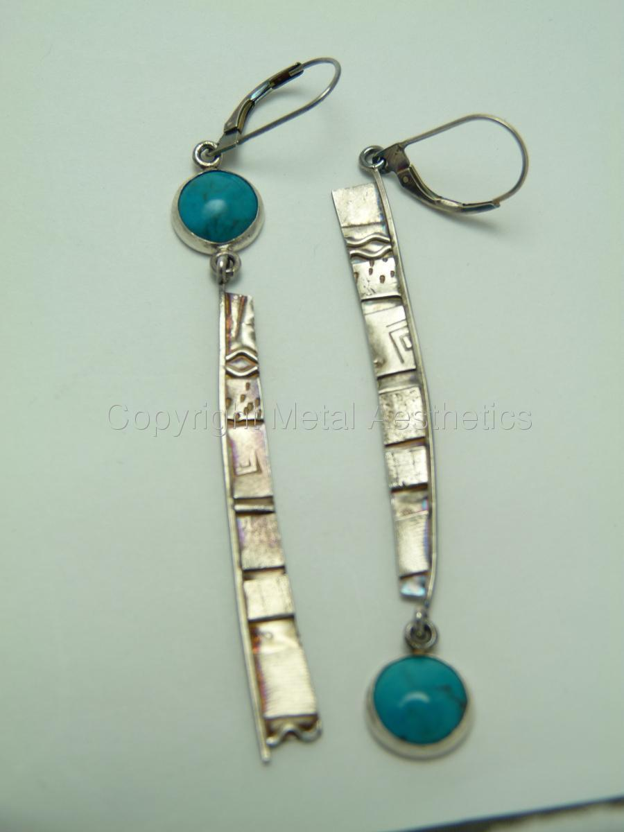 TEXTURED SILVER EARRINGS WITH TURQUOISE (large view)