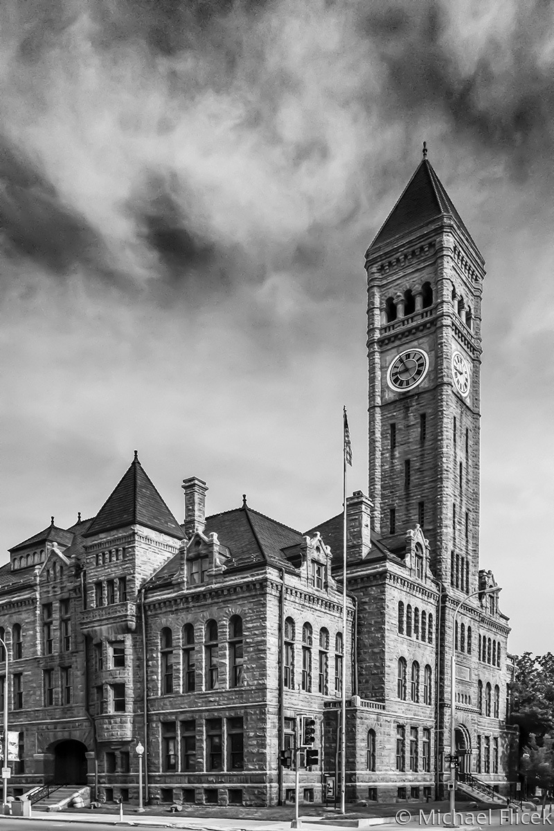 Old Courthouse Museum (large view)