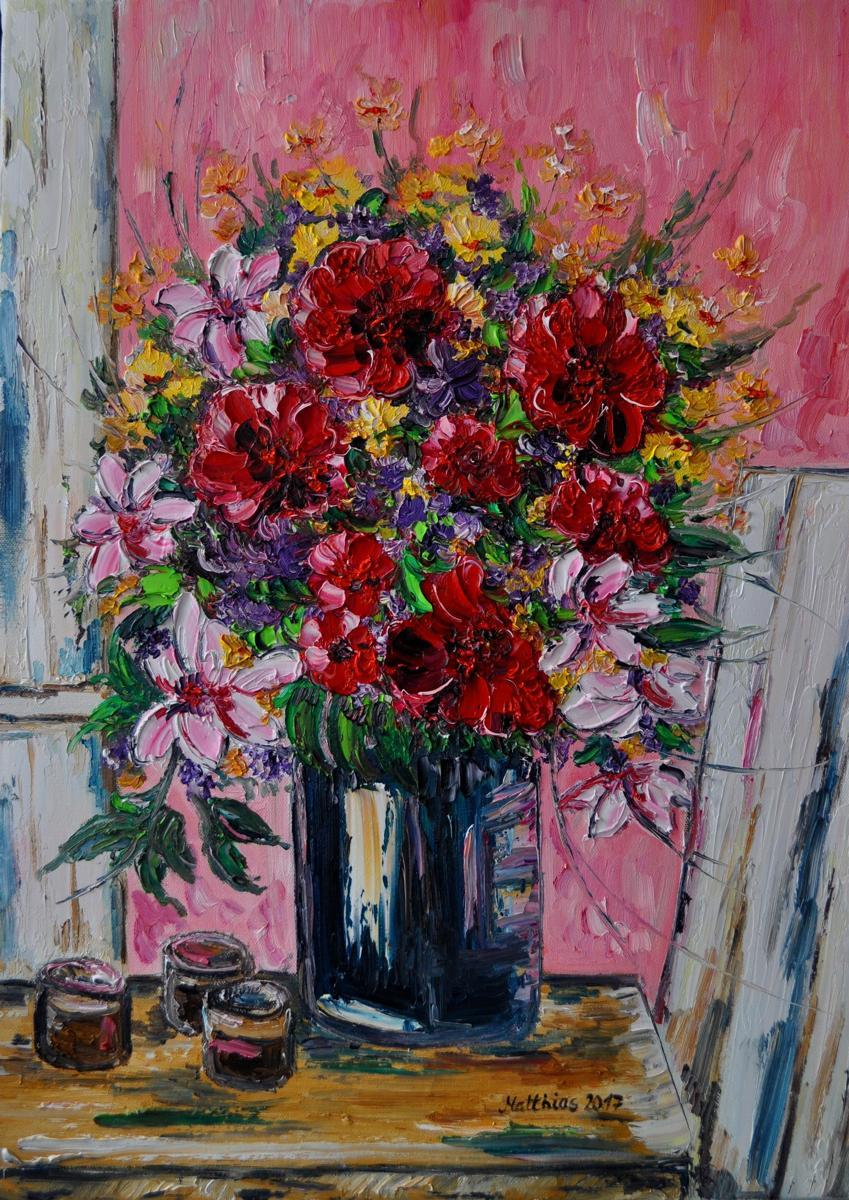 Bouquet of flowers on wooden table               (large view)