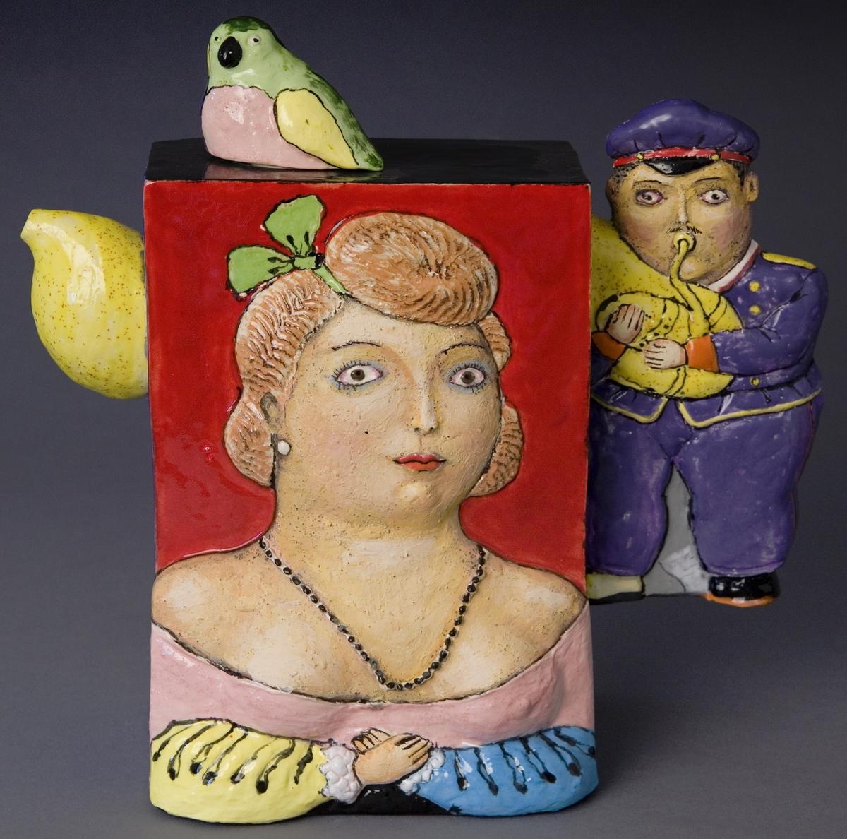 Teapot Botero (large view)