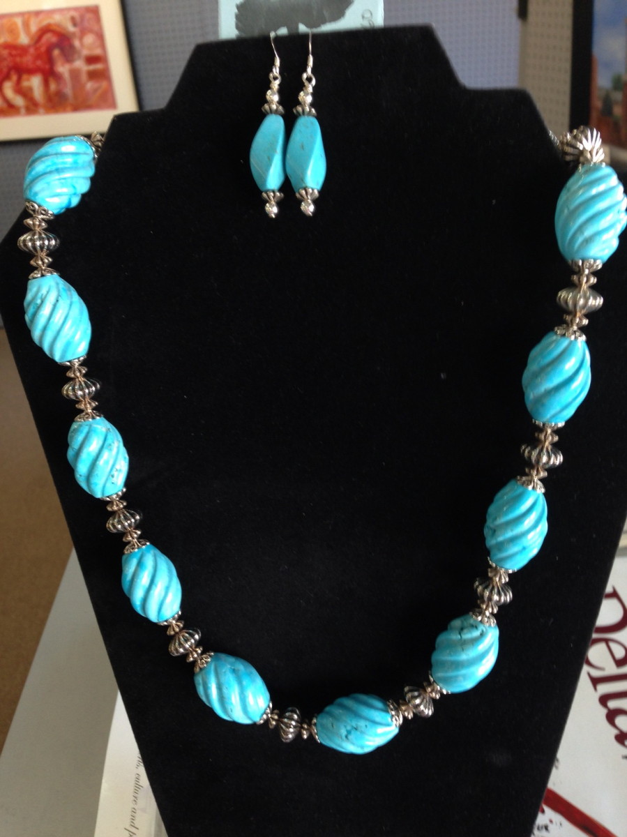 Chalk Turquoise Necklace (large view)