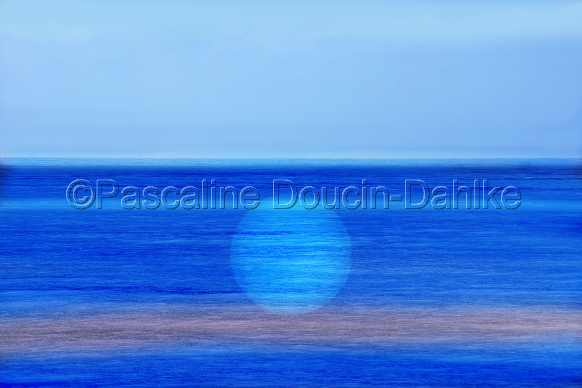 Blue Ocean Light (large view)