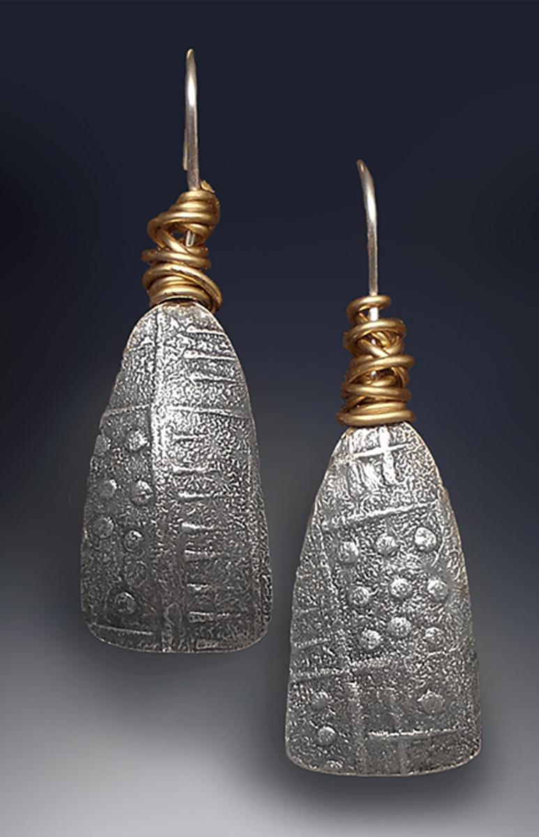 wrapped fan earring (large view)
