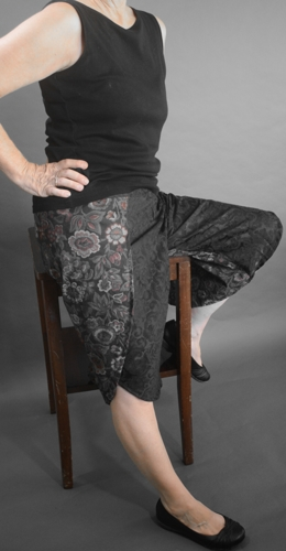 Capri Wrap Pants Black Floral