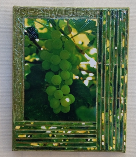 Green Grapes ( offset bottom right)