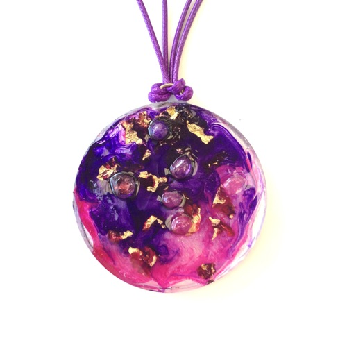 # 11 Resin Art Pendant