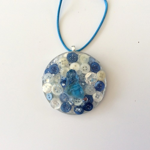 # 17 Resin Art Pendant