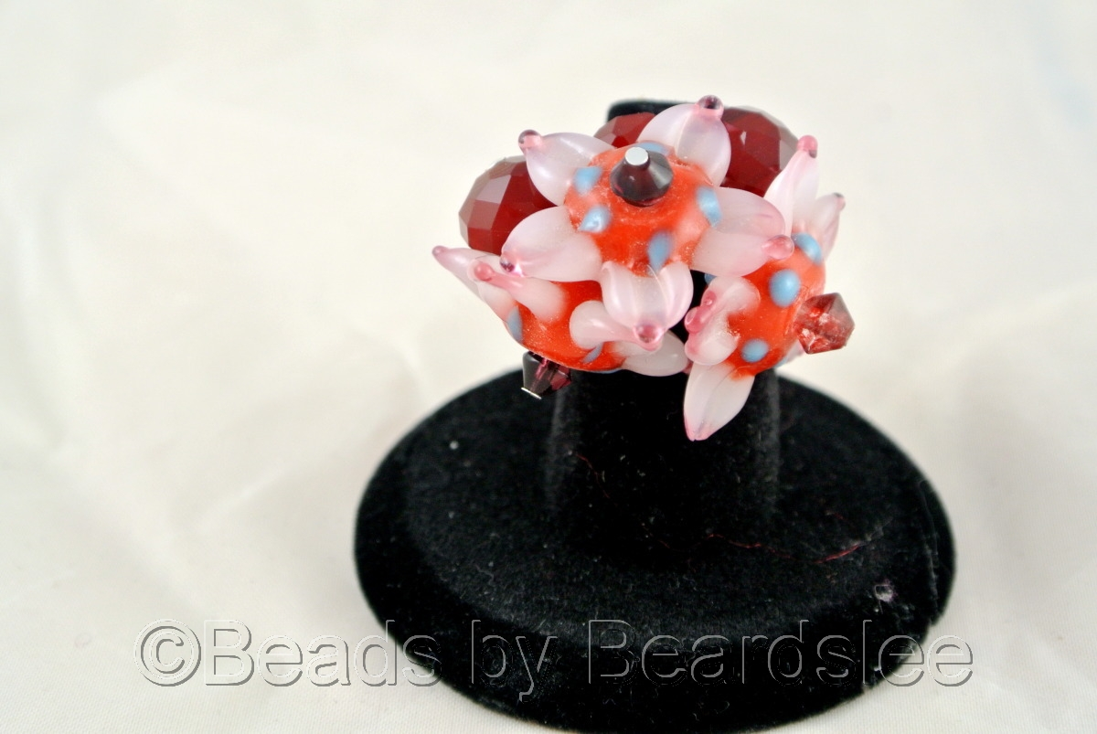 Hand made red glass flower ring (large view)