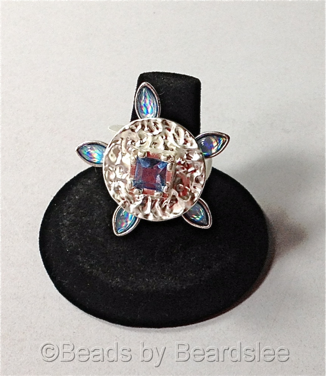 Hand made blue flower ring (large view)