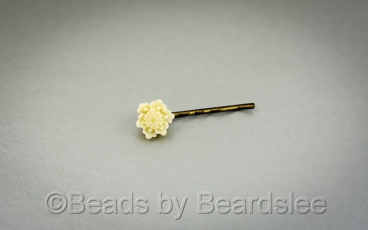 Ivory Flower Bobby Pin (large view)