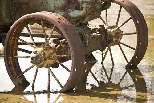 Wheels in water