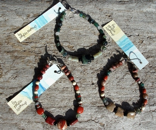 Natural stone  bracelets (large view)