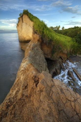 Icacos cliff 3