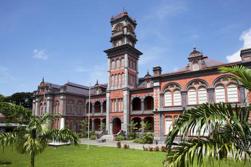 QR College