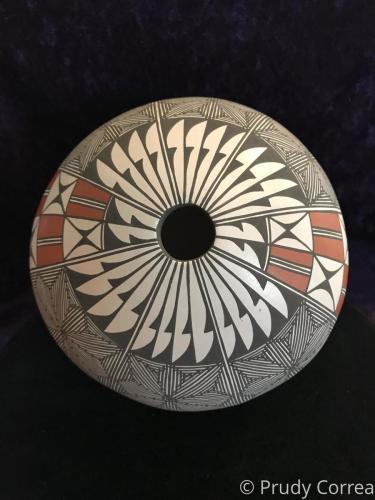 Ácoma Seedpot by Prudy Correa