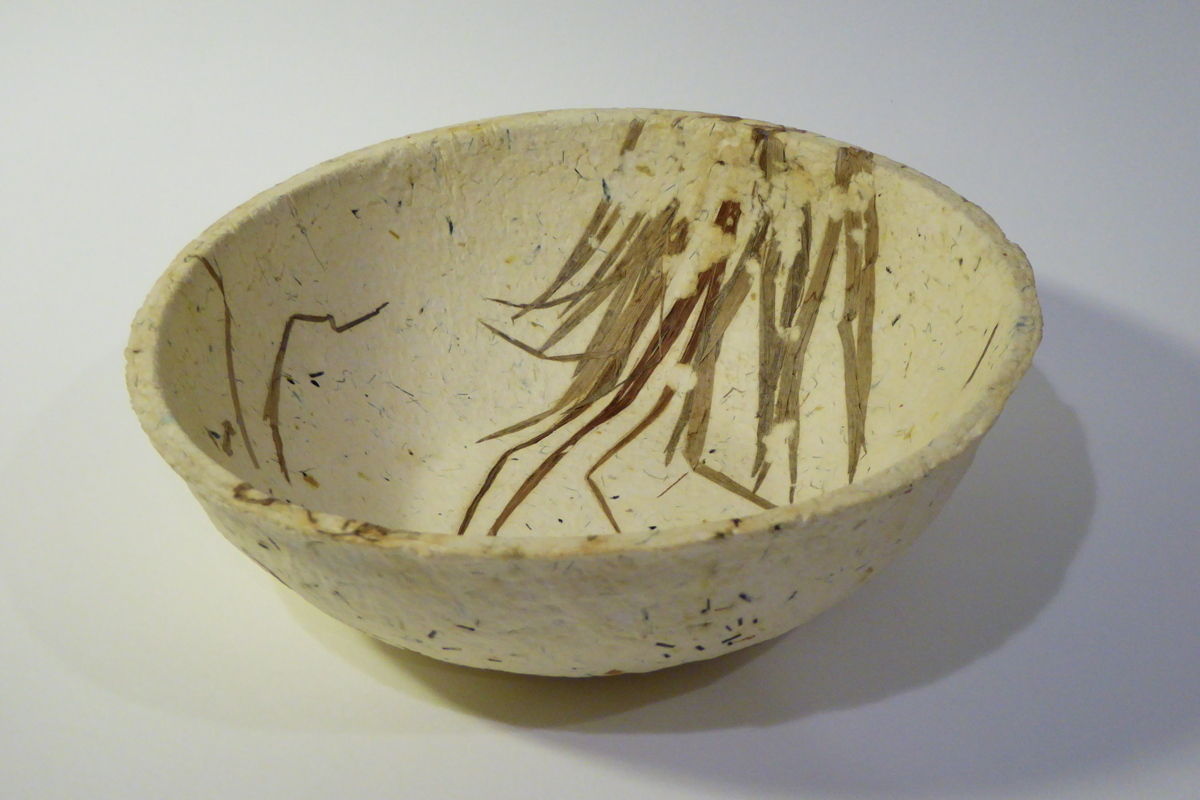 "8"" embedded grass bowl (large view)"