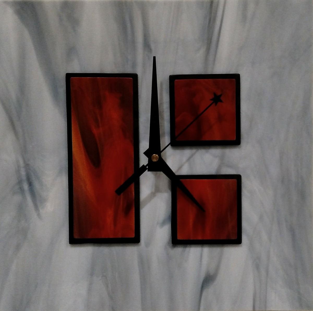 Art glass clock (large view)