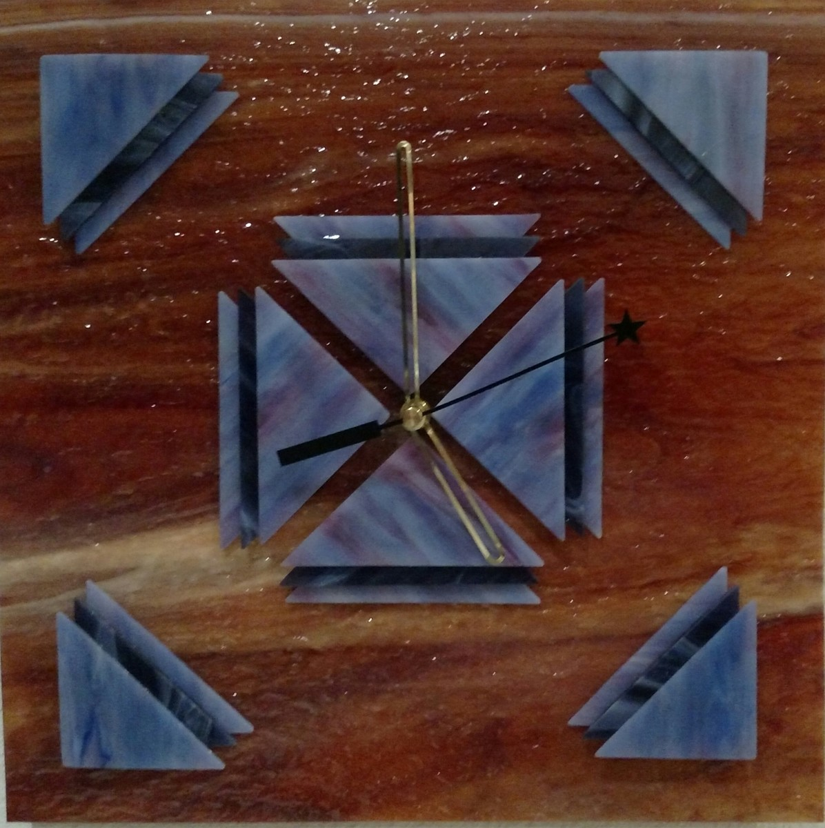 Art glass clock (large view)