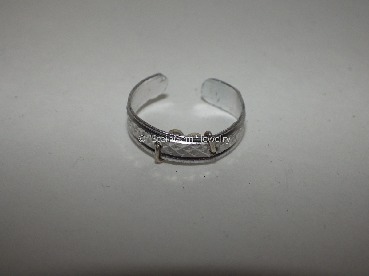 """Silent Sleeper"" Snore Relief Ring (Aluminum) (large view)"