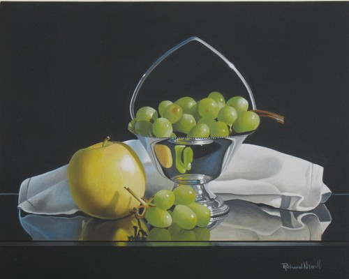 Apple with Green Grapes