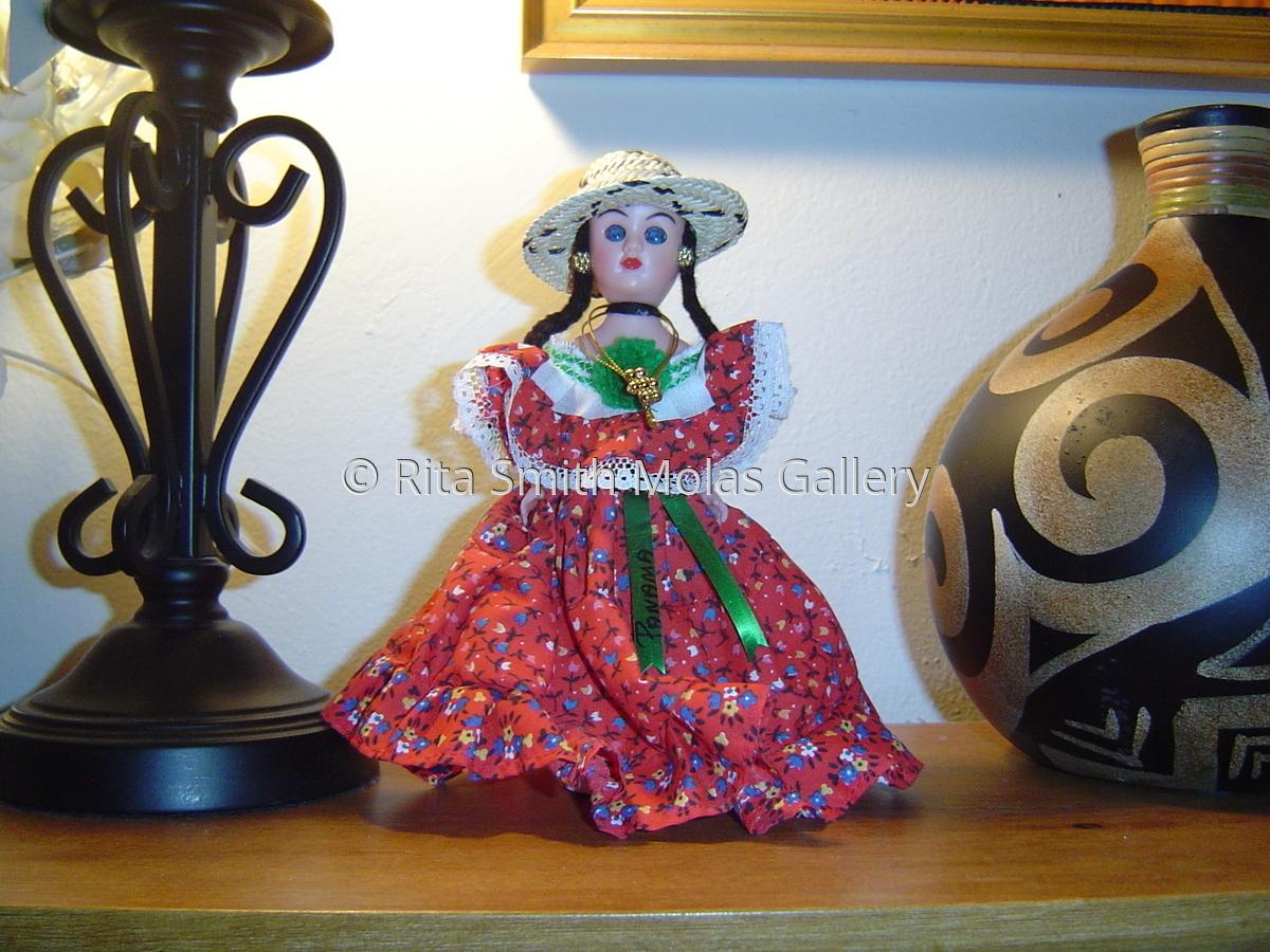 Panama Dolls Wearing La Pollera Traditional Dress of Panama Tamborito Folklore Dance #192 (large view)