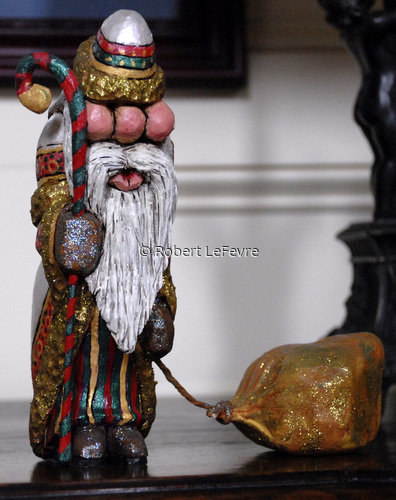 Santa: A Heavey Load (large view)