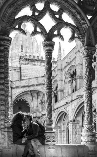 Kiss, Jeronimos Monastery