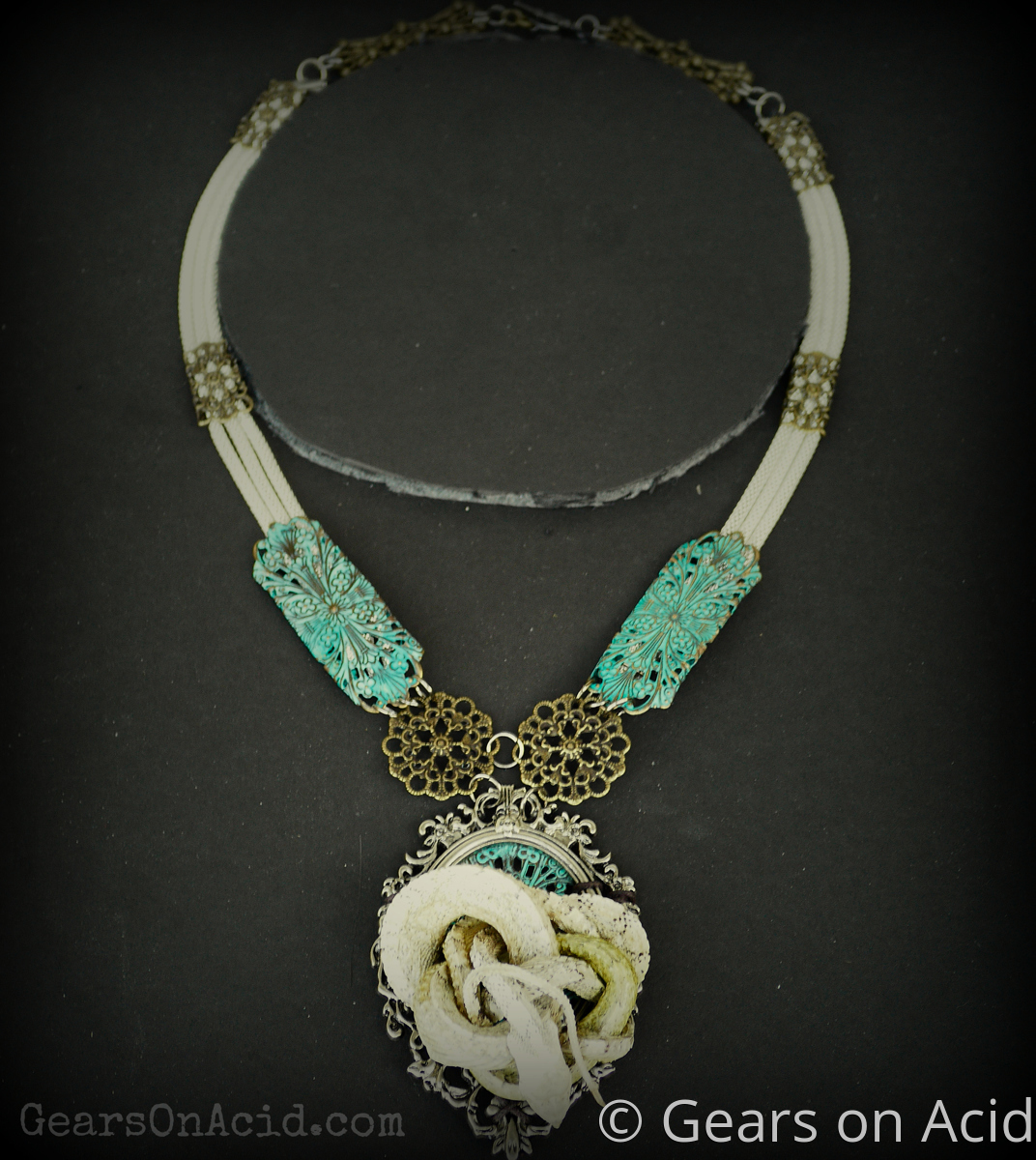 White Sided Bull Snake Necklace (large view)