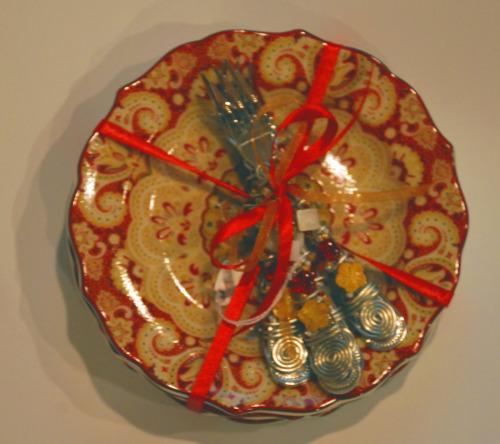 EXAMPLE OF A CAKE 4 PIECE SERVING ENSAMBLE