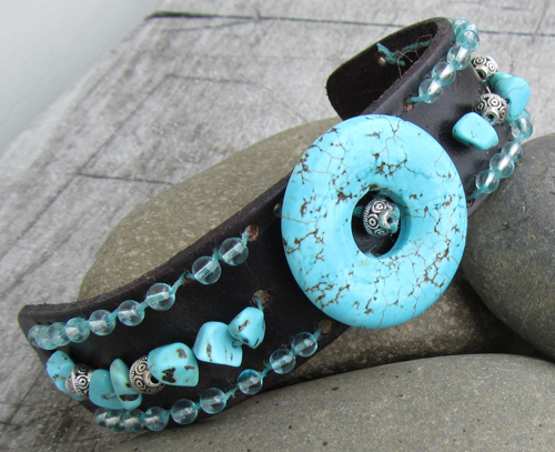 Turquoise Colored Donut w/leather bracelet