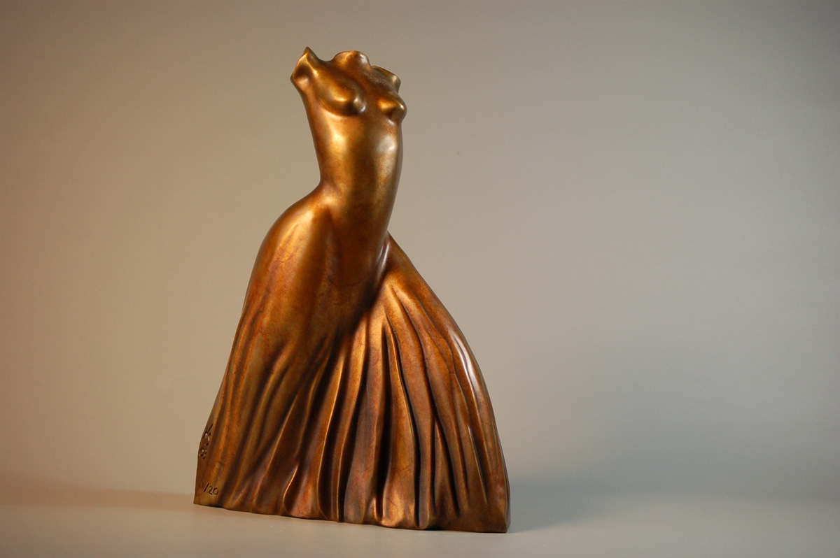 Bronze table top sculpture (large view)