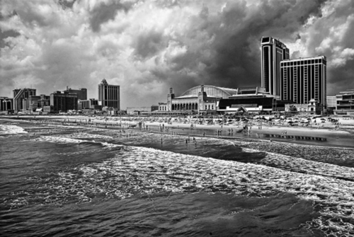 Atlantic City bathing. (large view)