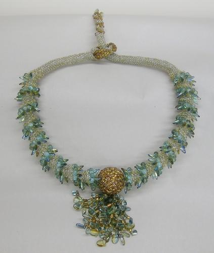 Spine-y Ring neckpiece